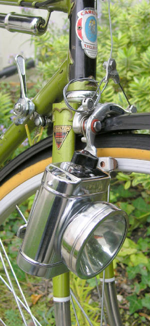 Pico lamp on a 1975 5-speed Carlton Corsa.jpg