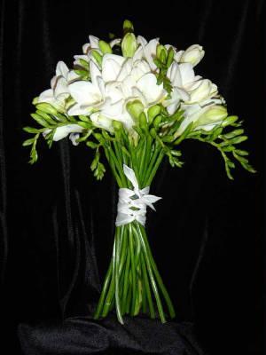 white-freesia-bouquetweb.jpg