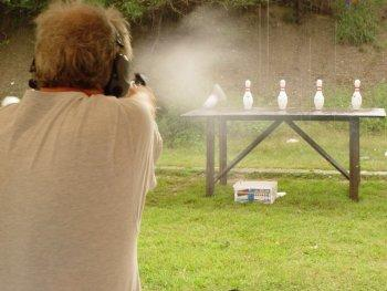 Randy shooting a revolver in Stock Minor