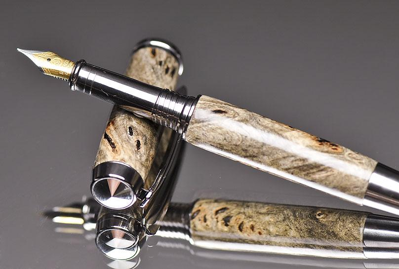 wood fountain pen made by hand
